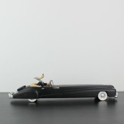 Vintage Wolf in black limousine statue by Demons and Merveilles