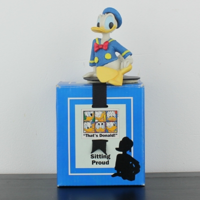 Donald Duck sitting proud statue by Enesco