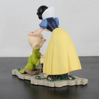 Vintage Snow White kissing Dopey statue by Demons and Merveilles