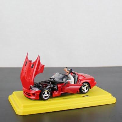 Goofy Dodge Viper RT/10 model car by Bburago in license of Walt Disney
