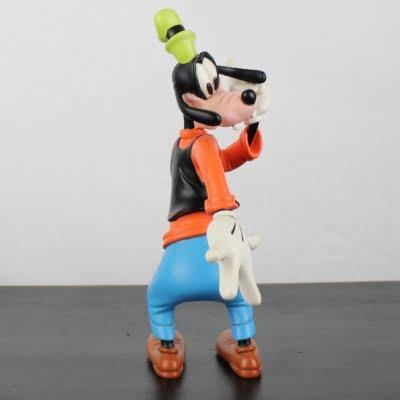 Vintage Goofy happy Polyresin statue by Walt Disney