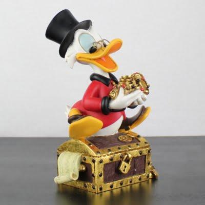 Scrooge McDuck treasury statue