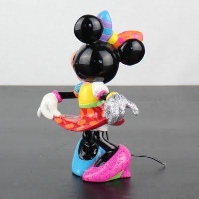 Minnie Mouse statue by Romero Britto in license of Walt Disney