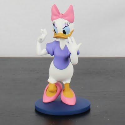 Daisy Duck statue by Walt Disney