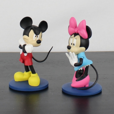 Mickey Mouse and Minnie Mouse statue by Walt Disney