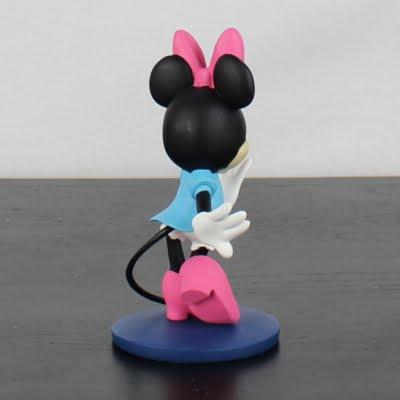 Minnie Mouse statue by Walt Disney