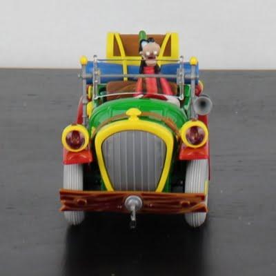 Classic Goofy model car by Bburago in license of Walt Disney
