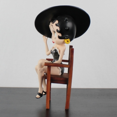 Vintage Betty Boop ''Sitting In A Chair'' statue