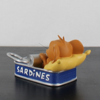 Jerry in a sardine can by Demons and Merveilles in license of Warner Bros