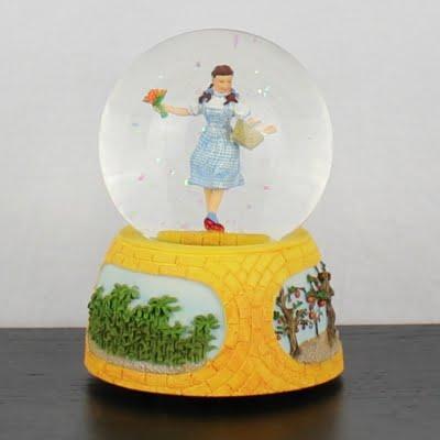 Vintage Wizard of Oz musical snowglobe