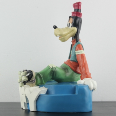 Vintage Goofy on his skates statue by Demons and Merveilles