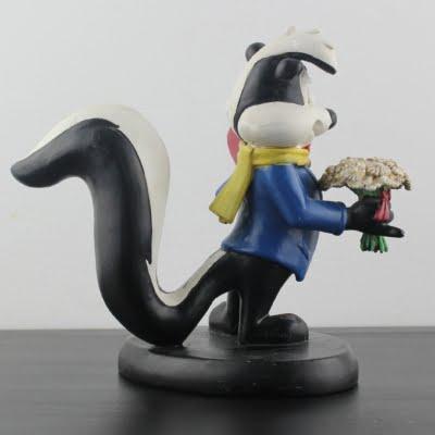Pepe Le Pew 'ladies man' Looney Tunes statue by Warner Bros