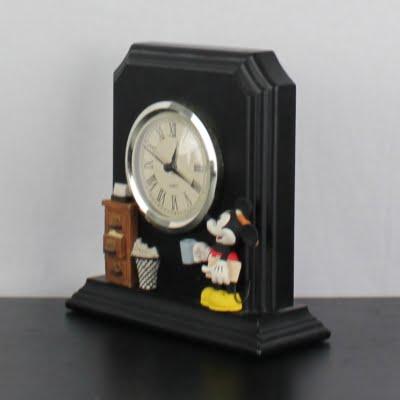 Vintage Mickey Mouse desk clock by Figi Graphics