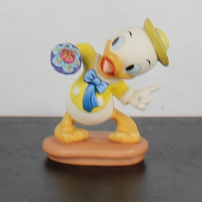 """Dewey """"Tag-Along Trouble"""" of Mr. Duck steps out by the Walt Disney Classic Collection"""