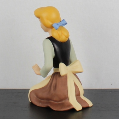 "Cinderella ""Wistful Dreamer"" of the Walt Disney Classic Collection"