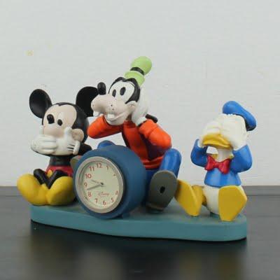 Vintage Walt Disney desk clock