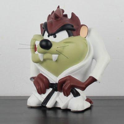 Tasmanian Devil in his karate uniform statue by Demons and Merveilles in license of Warner Bros